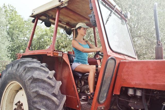 Tractor rijden, rijbewijs nodig?